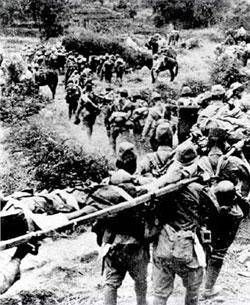 青山里大捷で撤退する日本軍